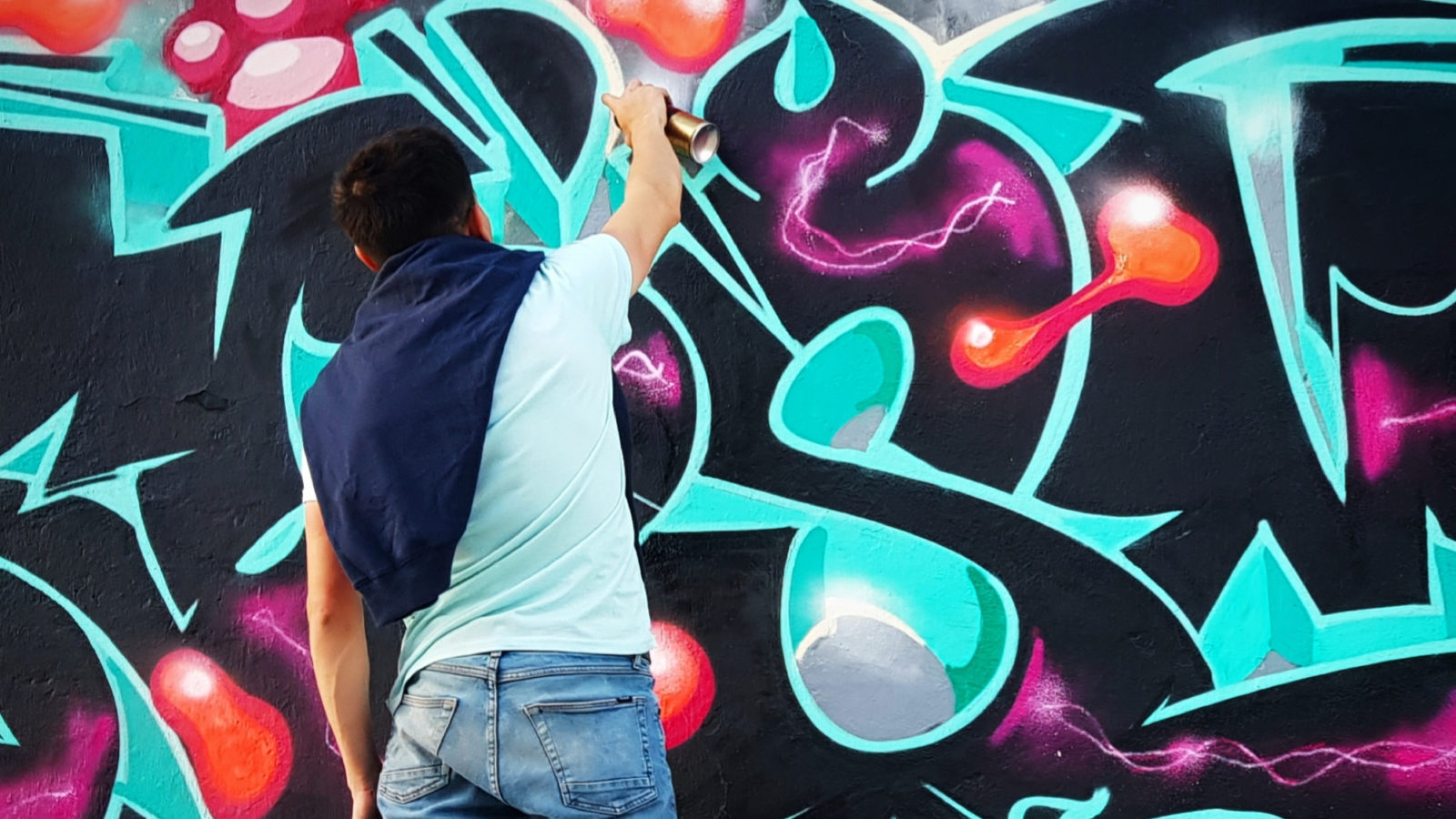 Interview with graffiti mexican graffiti writer Khosmik
